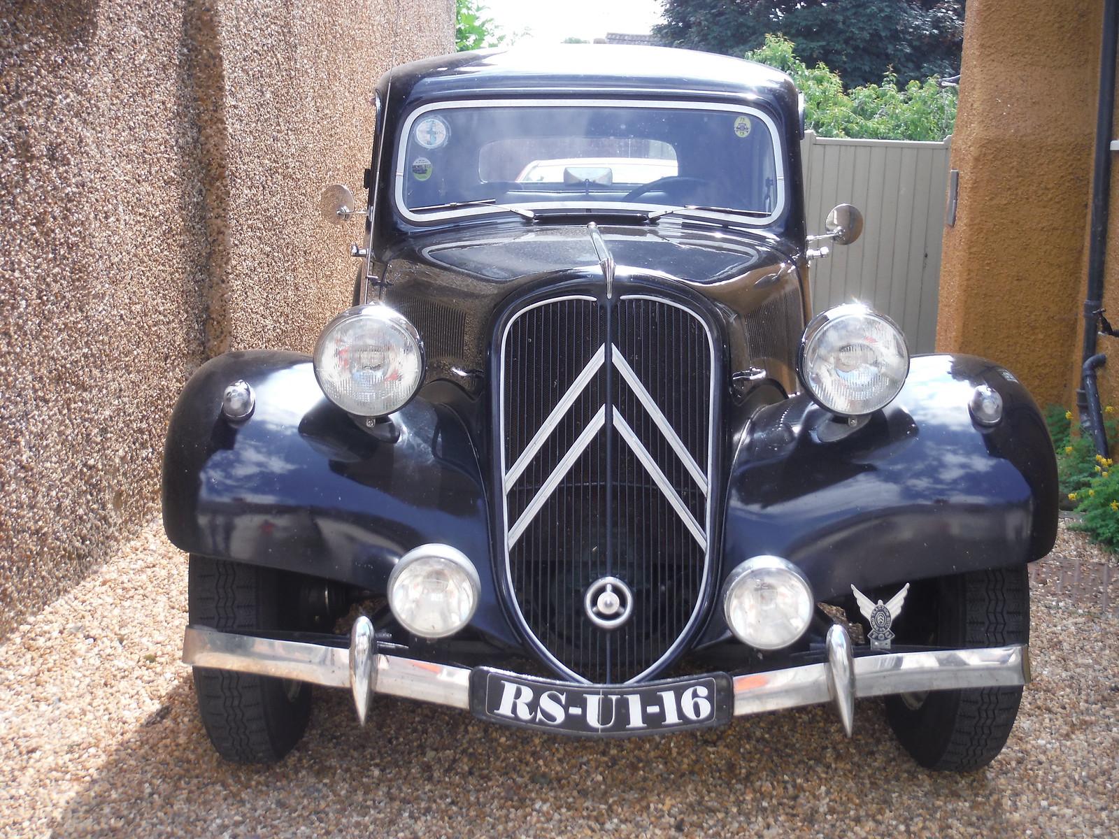 Old Car, Shillington SWC Walk 233 - Arlesey to Letchworth Garden City