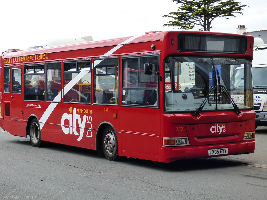 Plymouth Citybus 252 LX05EYY
