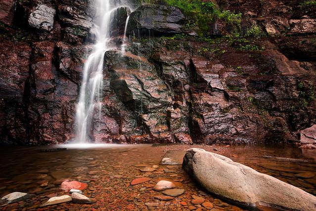 Weeping Wall - Kaaterskill Falls