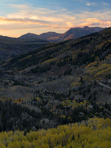 telluride fallfoliage fallcolors sunset autumn goldenhour beautiful yellow aspen trees gold