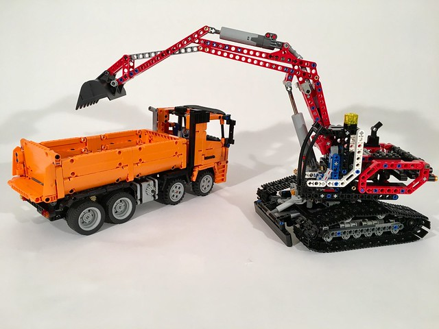 Mercedes Arocs Tipper with 8294
