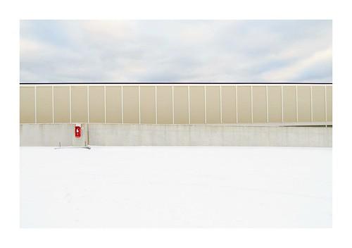 snow minimalism nopeople white winter minimal urban urbanlandscape emptyworld canon canonpowershotsx50hs isabelledetouchet