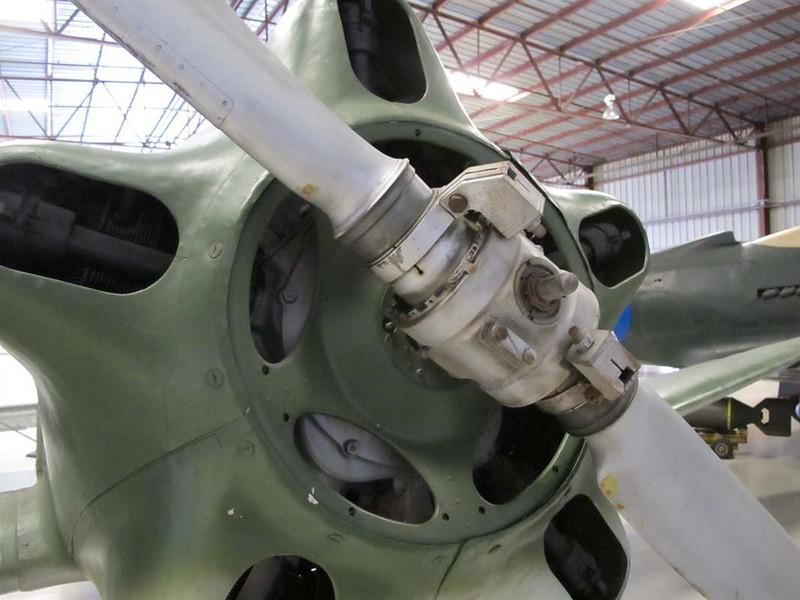 Yakovlev Yak-18 2