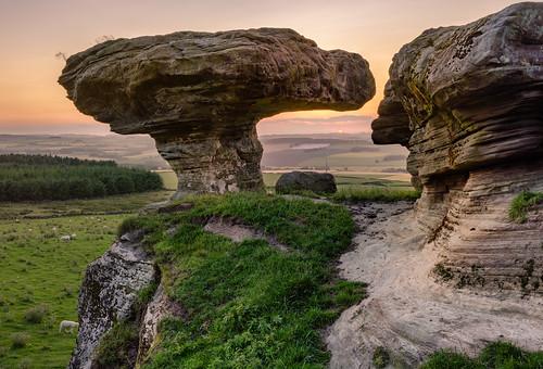 thebunnetstane bunnetstane sunset fife scotland nikon d7200 sigma350mmf14 lomondhills gateside sandstone rockformation