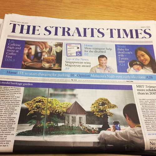 Awesome to have my work on the front cover of @straits_times! This iconic bandstand of the Botanic Gardens is built by Jeffrey Kong of @artisanbricks, and the amazing greenery by @brickfinder. Thank you @pieceofpeacesg, @mylittlebrickshop and @lego for br   by www.artisanbricks.com