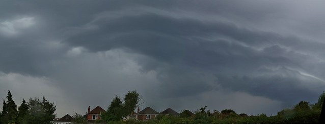 Mid-level thunderstorm