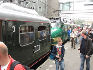 muizenneus en hondekop langs spoor 1 te Amsterdam | by TimF44