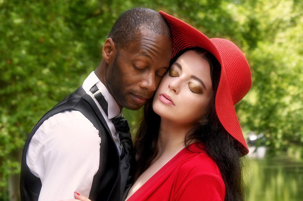 Interracial dating stige