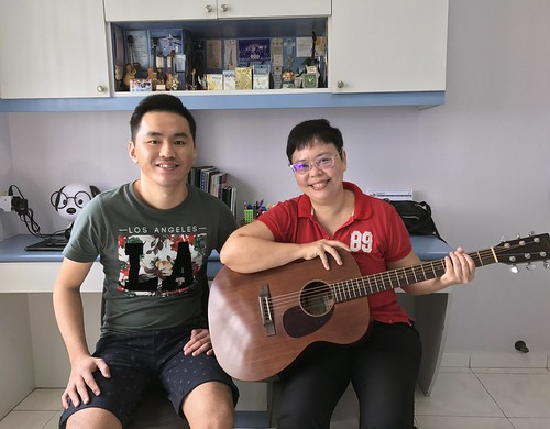 1 to 1 guitar lessons Singapore Joan
