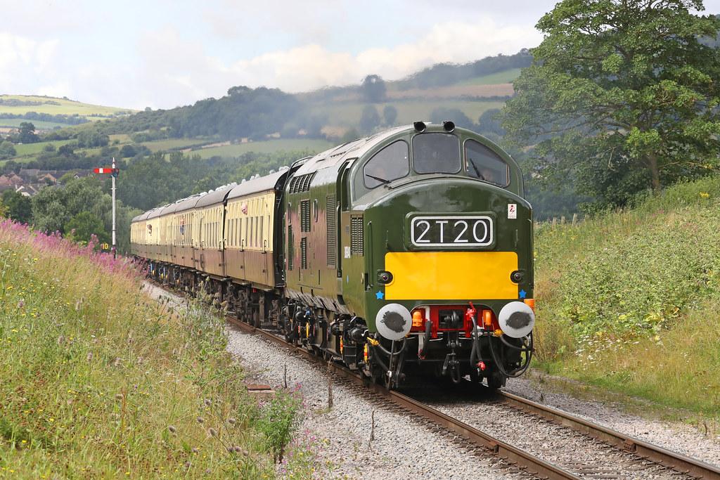D6948 Class 37/0 diesel electric locomotive | Working hard a