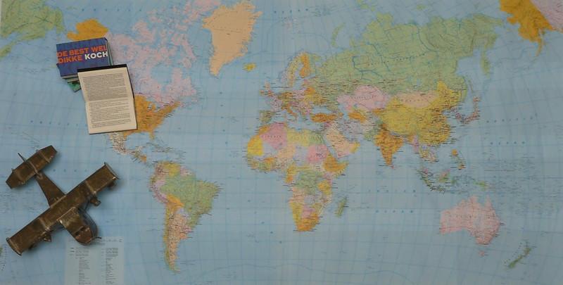 dwarsliggers-wereldkaart-boek-open-vintage
