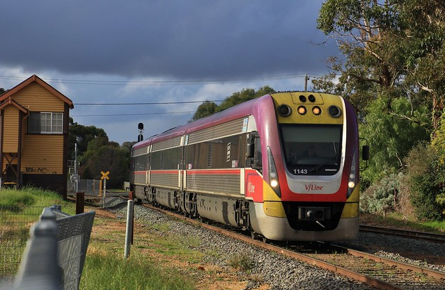 VL43 arrives into Bendigo with the afternoon Epsom to Melbourne service