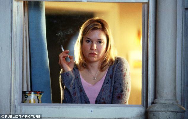 Renée Zellweger fuma una sigaretta (o erba)
