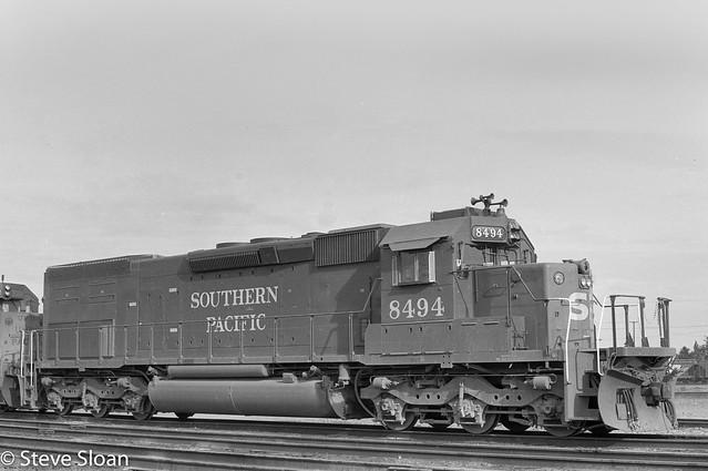 SP 8494 in Roseville