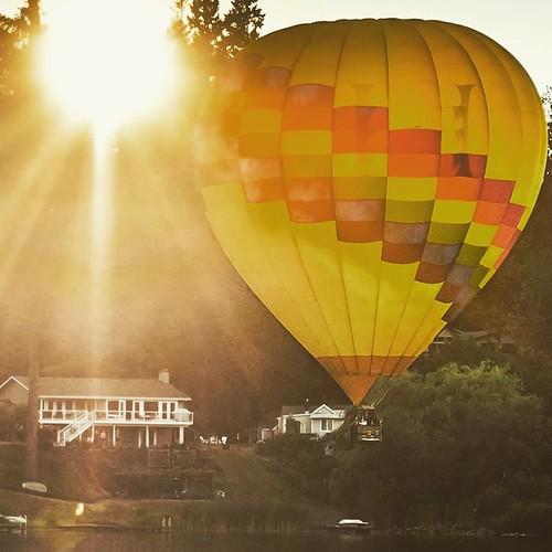 jeanmarieshelton tamron tamronlens nikond810 nikon sunset sun summer water lake balloon hotairballoon jeanmarie