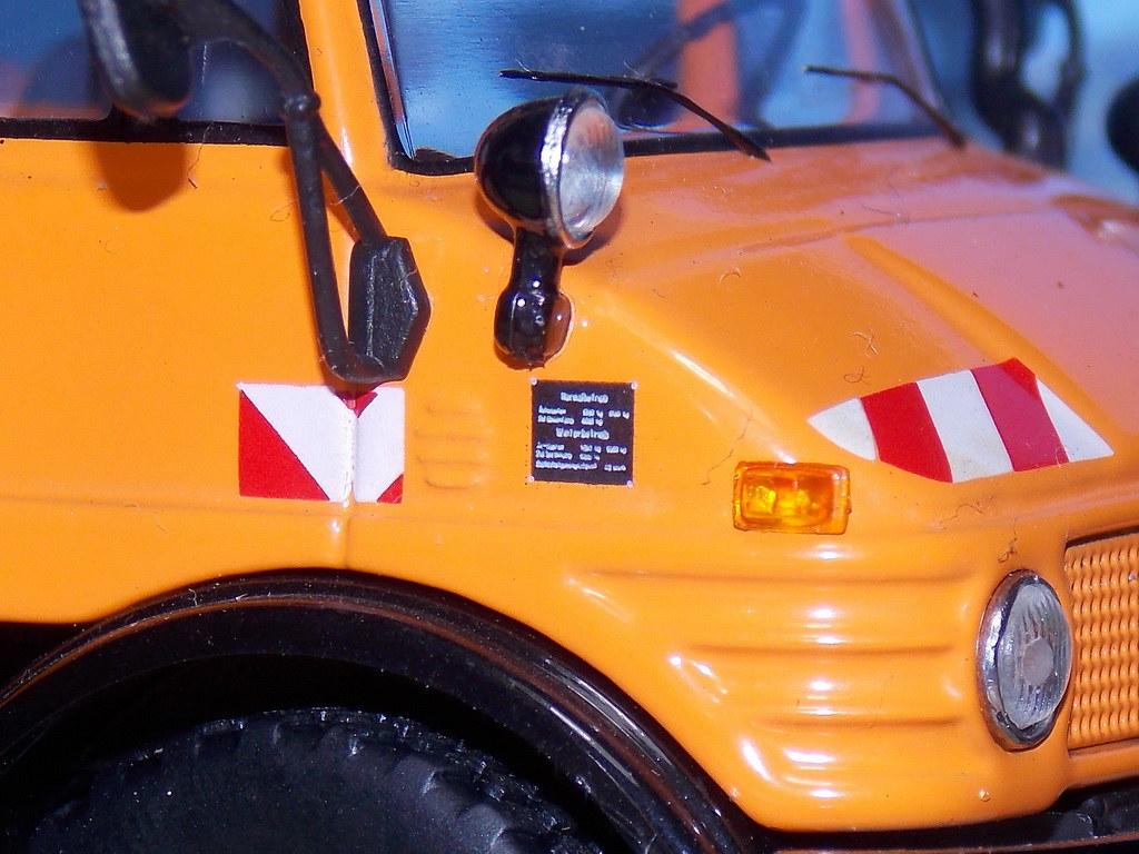 Mercedes Benz Unimog 406