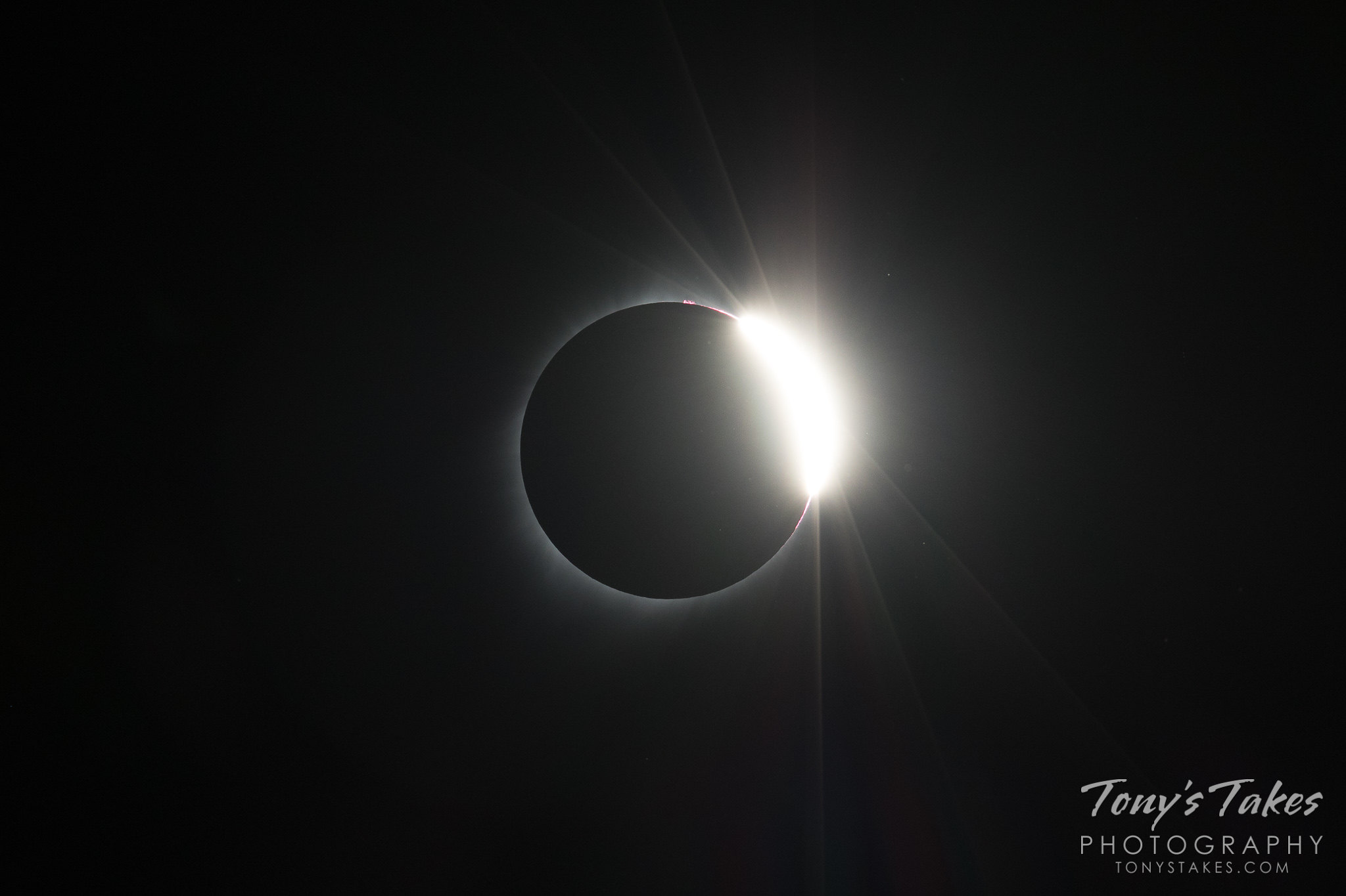 The diamond ring at the end of totality during the solar eclipse.  (© Tony's Takes)