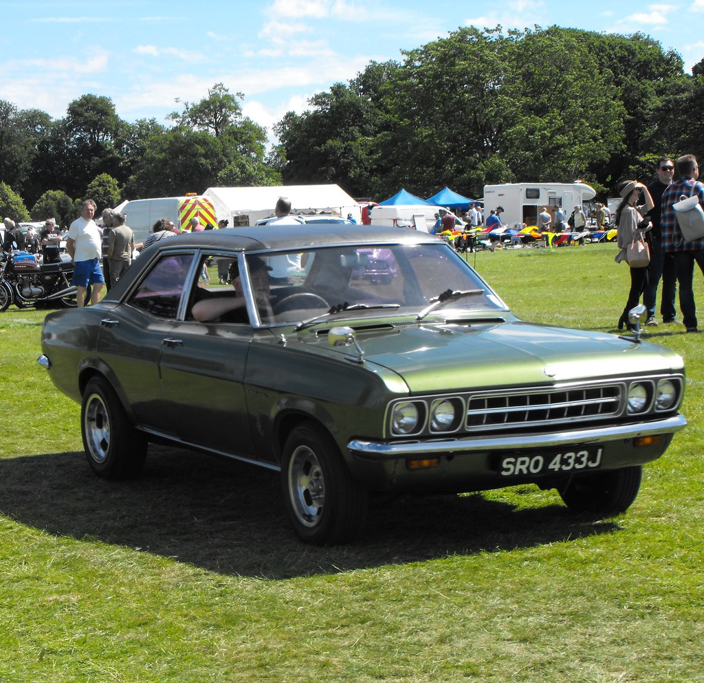 Vauxhall Ventora - SRO 433J (1)