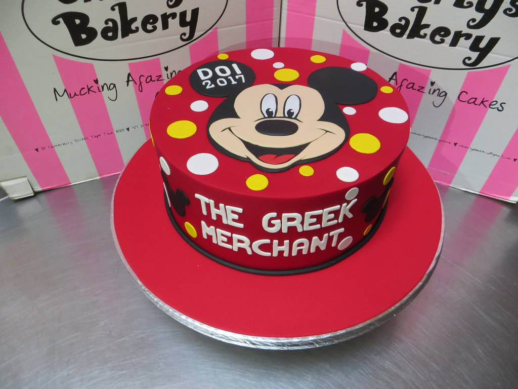 Mickey Mouse themed single tier cake with 2D fondant face | Flickr