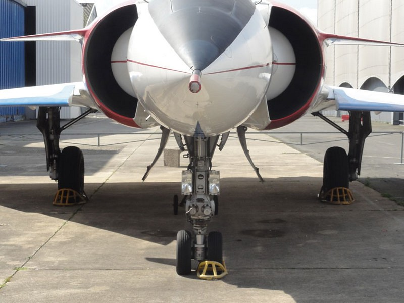 Dassault Mirage 4000 1
