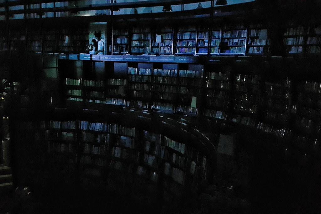815全台大停電  台中中友誠品  攝影:許震唐