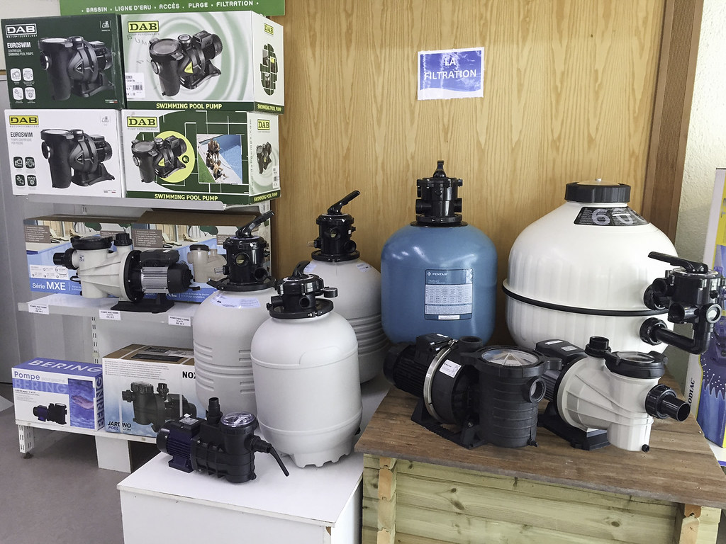 ... Showroom Groupe Filtration Piscine Carre Deau Hydro Sud