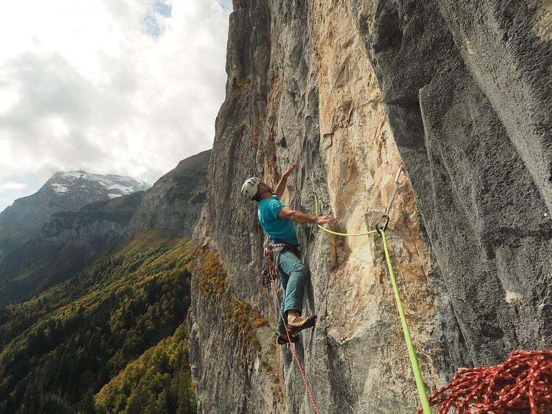Vuardes. Fanntasia (6c) Climber: Andy Perkins Photo: Pete Barrass