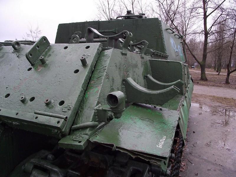 ISU-152 6