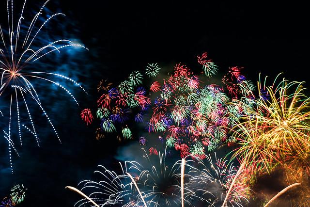 Makuhari-Beach-Fireworks2017-12-composite-DSC_0580