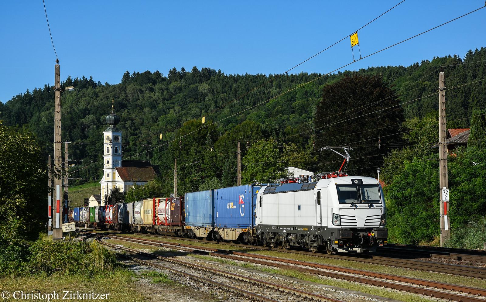 193.289-6 mit dem 41133 von Rheinhausen nach Soroksár-Terminál. Am 18.08.2017 in Wernstein am Inn.