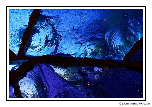 Eclats de verre....Eclats de bleu   by bernard.delphin