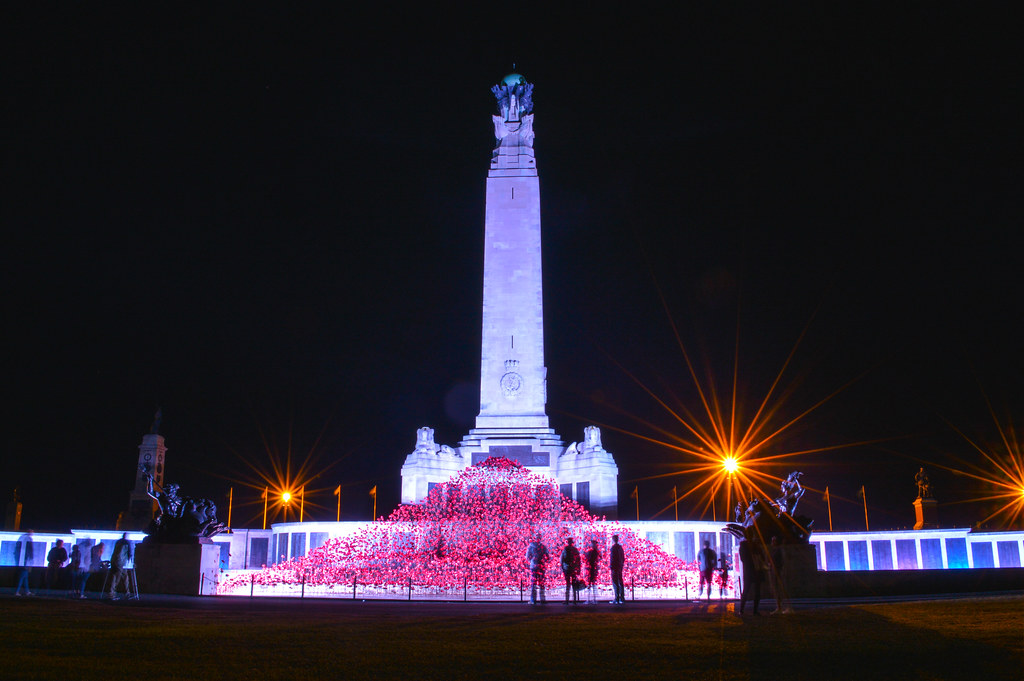 Poppies on Tour - Plymouth Hoe War Memorial