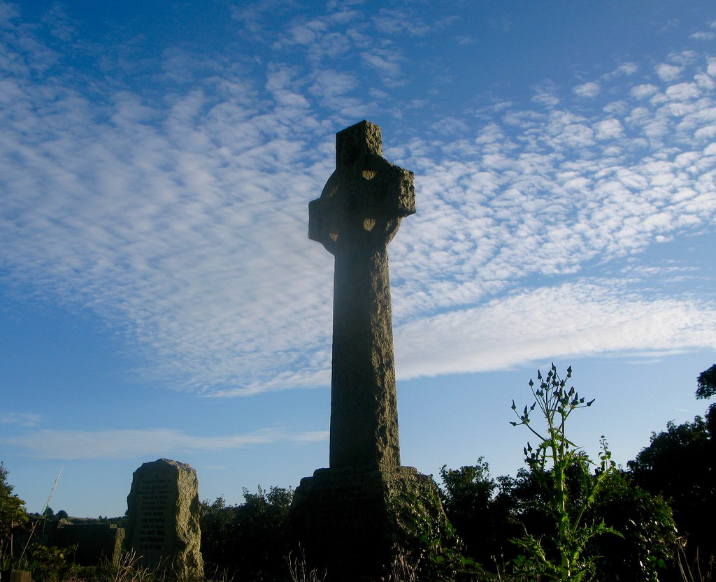 Celtic crossing cemetery | On a lovely evening | Judith