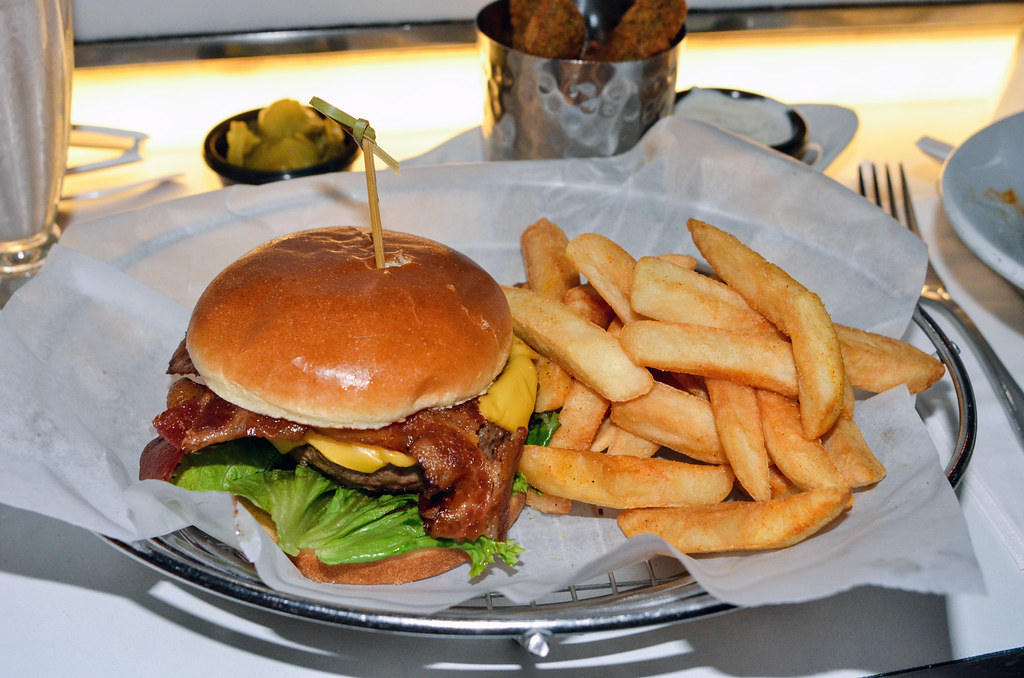 Sci Fi classic burger DHS