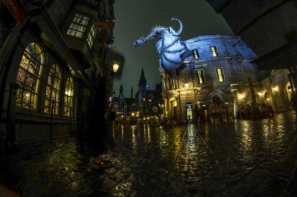 Gringotts dragon side ground
