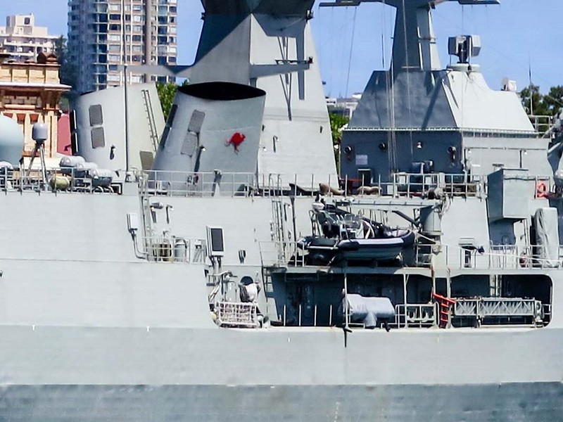 HMAS Anzac (FFH 150) 8
