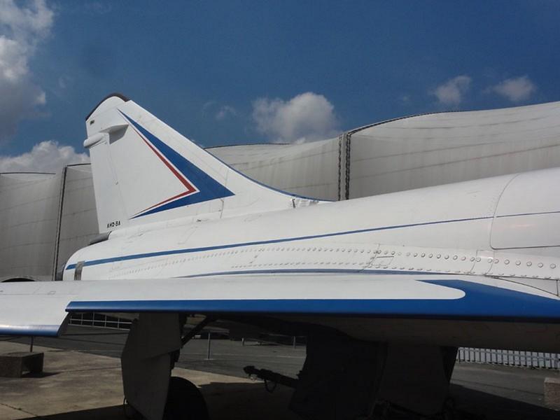 Dassault Mirage 4000 8