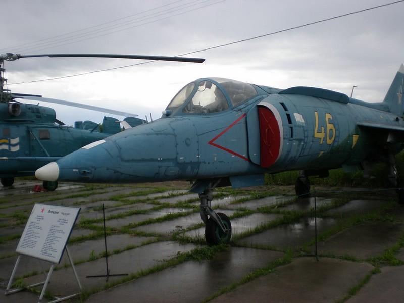 Yak-38 2