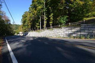 Redi-Rock_Limestone_Gravity_Roadside_RRofNE_SlaytonHill_4.jpg