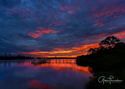 sony a7r2 sonya7r2 ilce7rm2 zeissfe1635mmf4zaoss fx fullframe scenic landscape waterscape nature outdoors sky clouds colors reflections sunrise shadows silhouettes boats fishing dock pier palmcity martincounty stlucieriver florida southeastflorida