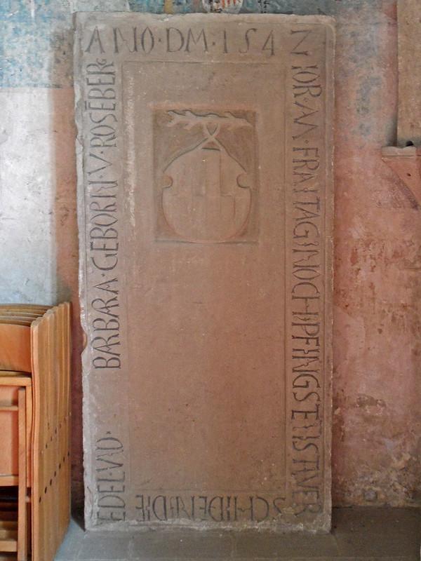 Bergkirche Heinsheim - Grabplatte (1542)