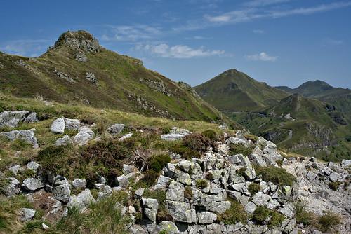 Les monts du Cantal depuis le Redondet