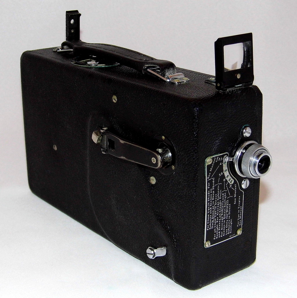 Vintage Cine Kodak 16mm Home Movie Camera, Model M, f3 5 L