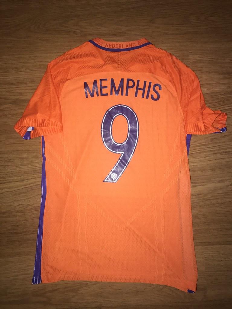 new arrival b84c7 452ae Match Worn Shirt Memphis Depay | Netherlands worn v Italy ...