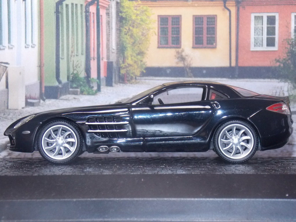 Mercedes Benz SLR McLaren – 2004