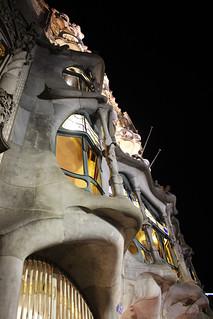 casa batllo de nuit bacelona | by blondgarden