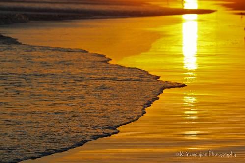 sunset westcoast sand venturabeach venturabeachcalifornia california pacificocean reflection canont5i canon sun sunlight beach landscape water waves golden gold t5i 700d canon700d placescity