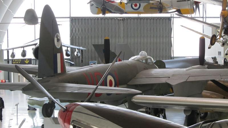 De Havilland Mosquito B.35 1