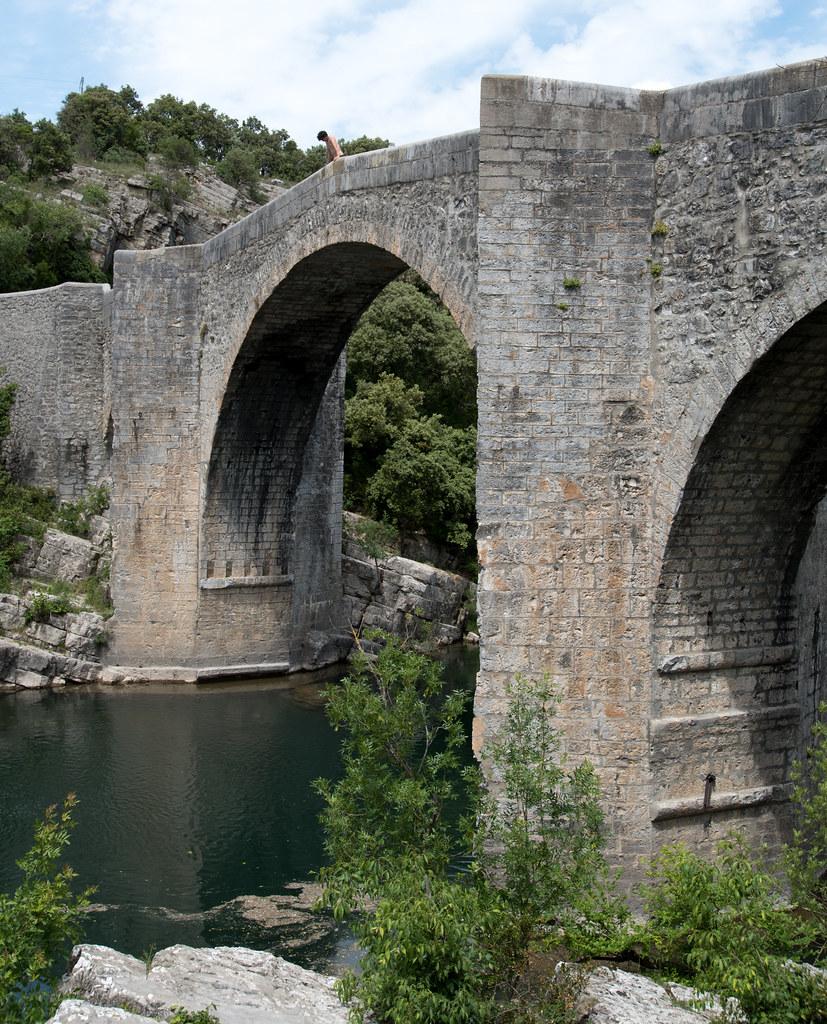 Pont De Saint Etienne D Issensac Herault France Flickr
