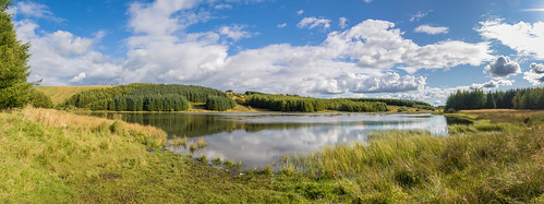eastrenfrewshire scotland landscape walking craighalldam panorama summer neilston reservoir